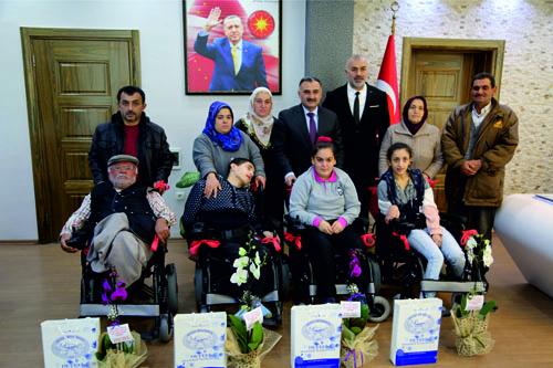 İlçemizdeki Engellilere Yeni Yıl Hediyesi